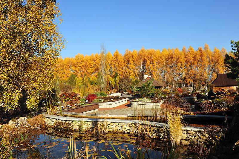 Arboretum w Bolestraszycach jesień