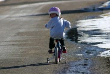 Dziecko na rowerze. Co musisz wiedzieć?