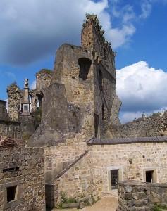 """Ruiny zamku """"Kamieniec"""" w Korczynie-Odrzykoniu"""