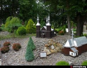 Miniatury kościołów i cerkwi w Myczkowcach