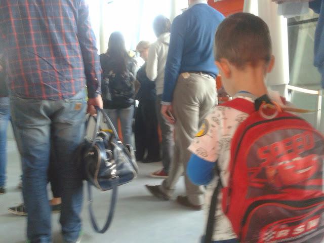 Na lortniksku - dziecko z plecaczkiem