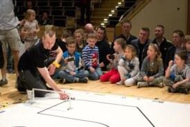 Robot sam podejmuje decyzje. Rozmowa z organizatorami Międzynarodowych Zawodów Robotów ROBO~motion