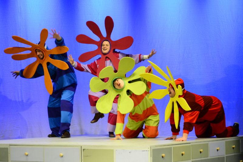 Najmniejszy samolot na świecie - spektakl w Teatrze Maska (fot. Beata Jarzyna)