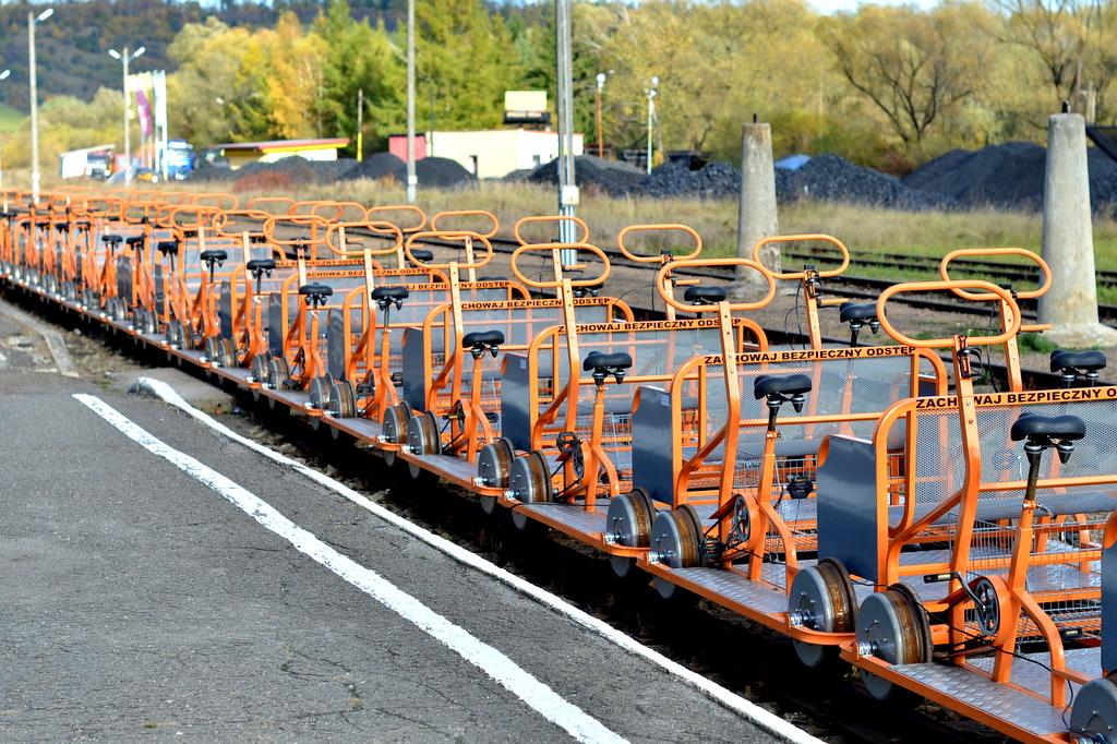 Drezyny rowerowe w Uhercach – po torach przez Bieszczady