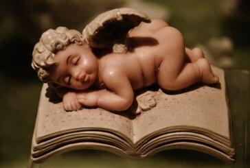 Anioły, aniołki, aniołeczki… i ich ciekawe książeczki – konkurs plastyczny