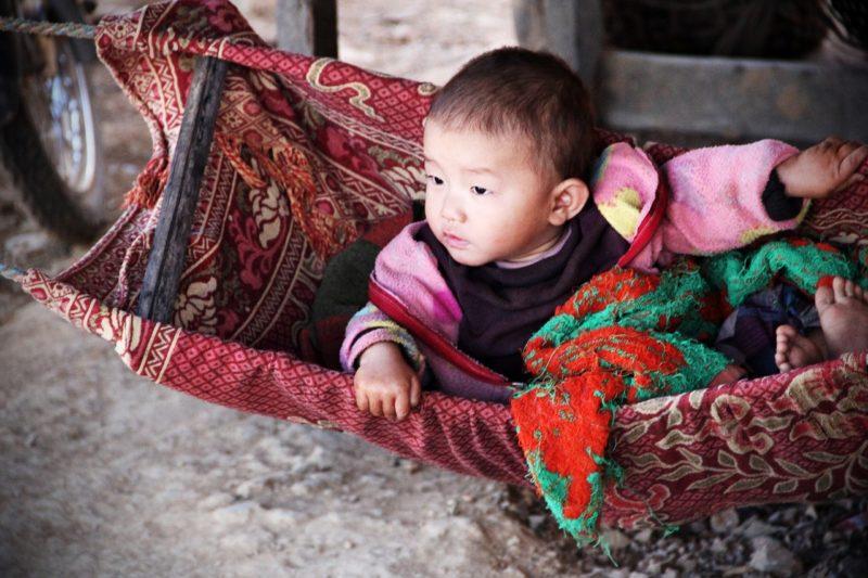 Dziecko w huśtawce