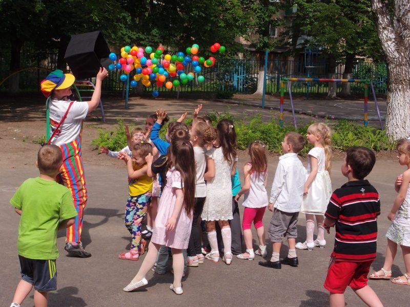 zabawa z klaunem