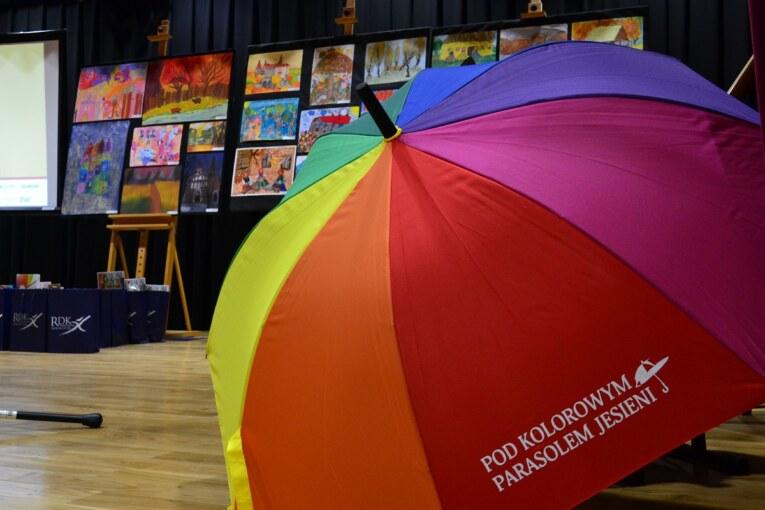 """Rozdanie nagród i otwarcie wystawy """"Pod Kolorowym Parasolem Jesieni"""""""